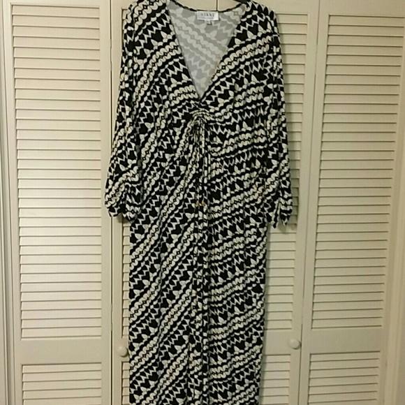 9e05ccaab212d Nikki by Nikki Poulos Dresses   Nikki Poulos Maxi Black Cream Print ...